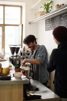 Ten Belles: International Coffee in Paris - Food and beverage - Vegan Coffee Barista, Coffee Cafe, Coffee Drinks, Coffee Shops, Street Coffee, Best Coffee, My Coffee, Happy Coffee, Coffee Logo