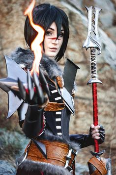 Lady Hawke from Dragon Age 2    Cosplayer: KiranaPhotographer: Panzer-bjorn