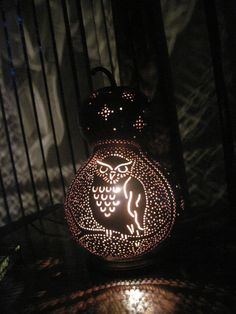 Handcrafted-owl-gourd-table-lamp