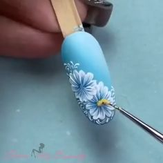 Flower nail art - The Effective Pictures We Offer You About diy clothes A quality picture can tell you many things. Nail Art Designs Videos, Nail Art Videos, Simple Nail Art Designs, Nail Designs, Nail Art Hacks, Gel Nail Art, Nail Art Diy, Diy Nails, Minimalist Nails
