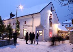 Gott Nytt år! | Kränku Te & Kaffe Kaffe, Street View, Mansions, House Styles, Outdoor, Happy, Shop, Outdoors, Manor Houses