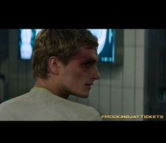 Peeta – Mockingjay Part 1 ( THIS IS SO NOT OKAY. IM CRYING RIGHT NOW. HELP. IM DYING. NO. NOPE. I CANT. )