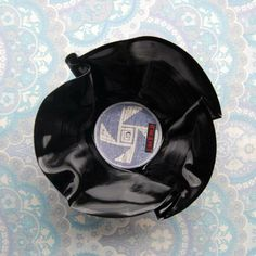 Vinylskål/LP redesign BLÅLILLA/HVIT Lp, Retro, Tableware, Dinnerware, Tablewares, Retro Illustration, Dishes, Place Settings