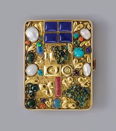 Josef Hoffmann: Tobacco case for Otto Primavesi, Vienna, 1912. Gold, lapis lazuli, pearl, turquoise, coral, opal and cornelian.