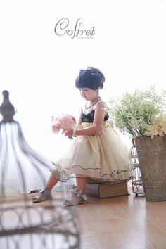 七五三 写真 Model Photos, Girl Photos, Family Photos, Little People, Photo Studio, Family Photography, Baby Kids, Wedding Photos, Flower Girl Dresses