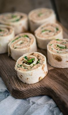 5 x wrap hapjes - The answer is food Tapas Recipes, Appetizer Recipes, Cooking Recipes, Dinner Recipes, Healthy Food Habits, Healthy Recipes, Healthy Meals, Healthy Lifestyle, Food Vans