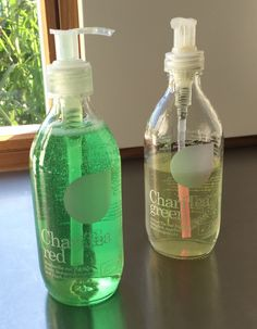 Flüssigseife und Spülmittel in ChariTea Flaschen. #upcycling #ChariTea #DIY #interior