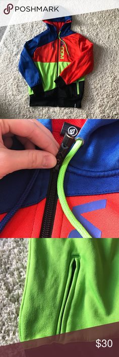 Volcom Hoodie Colorful Volcom Hoodie with whistle zipper!!! This jack is made of great material and definitely shows off the quality of it through its comfort. It's cool, yet warm. Includes two pockets and is lined throughout. Ask me questions and make offers! We can negotiate!! Slight pulling noted near right left pocket. As seen in pictures. Volcom Sweaters Zip Up
