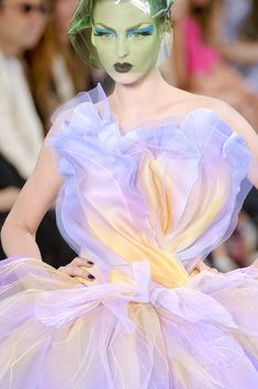 Christian Dior Couture Details Fall 2010 - Indulge in a Decade of Dior Couture Runway Details - Photos