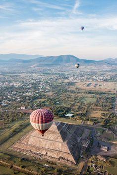 Great Pyramid of Tenochtitlán, Mexico City - Ballonfahren über die Pyramiden in Mexiko City: In Teotihuacán mit einem Heißluftballon über die Pyramiden fliegen und den magischen Sonnenaufgang erleben!