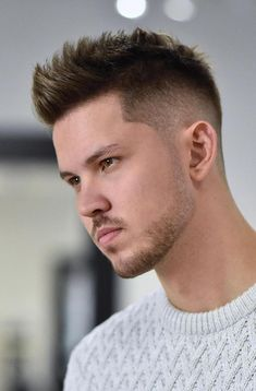 Hair Styles Men 2019 Christmas - handsome and cool – the latest men& hairstyles for 2019 Latest Men Hairstyles, Popular Mens Haircuts, Latest Haircuts, Cool Hairstyles For Men, Trending Haircuts, Cool Haircuts, Hairstyles Haircuts, Haircuts For Men, Heatless Hairstyles