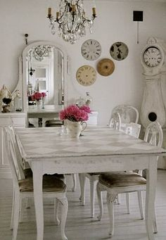 beautiful shaby chic chandeliers | ... Kitchen In The Design Of Shabby – Chic | Best Of Interior Designs