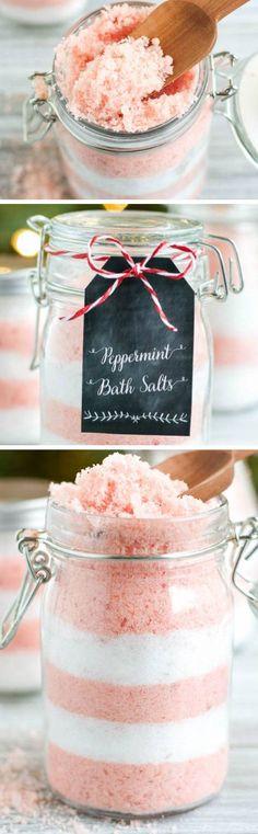 DIY Peppermint Bath Salts | Click Pic for 22 DIY Christmas Gift Ideas for Mom | Handmade Christmas Gifts for Grandma