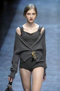 Dolce   Gabbana Fall 2010 Coccodrilli 00c7faaae7a