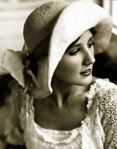❥ beautiful clothing and hat..