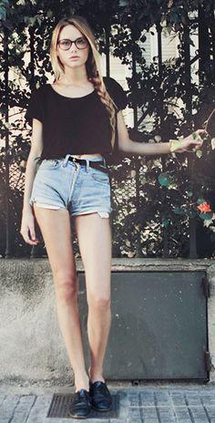กางเกงยีนส์ขาสั้น Chloe Laura Encursiva