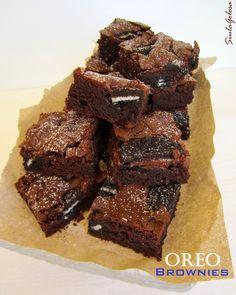 Non so se esista un dolce più goloso dei brownies! Qualche sera fa, mentre cucinavo, lanciavo ogni tanto lo sguardo alla tv accesa sul Gambe...
