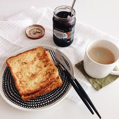 초간단 브런치 #vscocam #vscofood #brunch #simple #frenchtoast #coffee #mackays