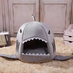 Shark Dog Bed Pet Bed Warm Soft Teddy Small Dogs Kennel Dog House Pet Sleeping Bag Cat Bed Cat House for small dogs 3 colors * Pub Date: Oct 14 2017 Puppy Kennel, Puppy Beds, Cat Kennel, Large Dogs, Small Dogs, Small Animals, Canis, Pet Shark, Dog Tent