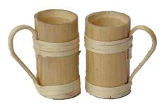 You will fall in love with the simplicity of these handcrafted bamboo cups, the design is elegant and minimalistic. Eco-friendly and light weight and not easily breakable. Ideal to gift it to your friends, family or colleagues. Bamboo Cups, Bamboo Art, Bamboo Crafts, Wood Crafts, Bamboo Structure, Bamboo Construction, Bamboo House, Bamboo Design, Rustic Wood Walls