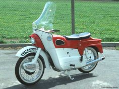 The Ariel Leader: A bike ahead of its time or a rebel without a cause  You decide.