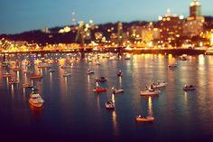 Imagen vía We Heart It https://weheartit.com/entry/113464821/via/13496389 #amazing #cool #lights #night #ocean #photo #scenery