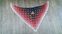 Fräulein Rot trifft auf Virustuch von ........ ★☆★☆★ ... Elfen Zipfel ღ Strickwerk ... ★☆★☆★ .......     ....  -`ღღ´-  .. knittingdesign by Jolanta-H. Ahlers .. -`ღღ´-  .... auf DaWanda.com