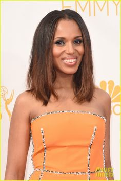 kerry washington emmy awards 2014 02 Kerry Washington looks stunning while making her way down the red carpet at the 2014 Emmy Awards held at the Nokia Theatre L.A. Live on Monday (August 25) in Los…