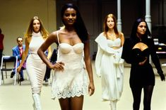 Azzedine Alaïa Fall 1992 Ready-to-Wear Collection - Vogue What Is Fashion, 90s Fashion, High Fashion, Fashion Show, Strapless Dress Formal, Formal Dresses, Azzedine Alaia, 90s Models, Designer Collection