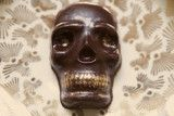 Spicy Mexican Hot Chocolate Skulls by Compartes Chocolatier Los Angeles. Chocolate Skull Chocolate Skulls edible 24 karat gold handmade in LA. Mexican Hot Chocolate, Delicious Chocolate, History Of Chocolate, Ancient Aztecs, Halloween Chocolate, Handmade Chocolates, Gothic Halloween, Chocolate Gifts, Cocoa