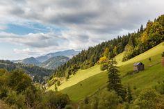 Idei de sejururi la munte: Judetul Maramures. #Borsa www.haisitu.ro Romania, Golf Courses, Cascades, Lacs, Country, Nature, Bucket, Travel, Beautiful
