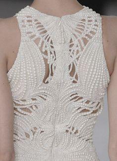 Alexander McQueen Spring/Summer 2012 #alexandermcqueen #details #back #style #art #fashion #pearls
