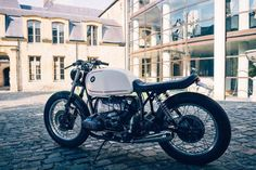 BMW R80S custom with white gas tank and low profile seat