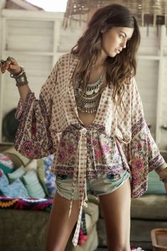 Luv to Look | Curating Fashion & Style: Fashion trends | Boho outfit, statement necklace