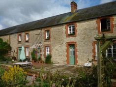 5 Bedroom House for sale For Sale in Manche, FRANCE - Property Ref: 702563 - Image 1