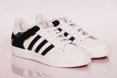 adidas Originals - varial low Running White / Black / Vivid Yellow (G65701) Adidas Originals, The Originals, Adidas Superstar, Skateboard, Adidas Sneakers, Street Wear, Lovers, Running, Yellow