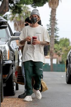 Justin Bieber Outfits, Justin Bieber Style, Justin Bieber Photos, Outfits Hombre, Trendy Outfits, Fashion Outfits, Canadian Boys, Essentials, Nike Clothes