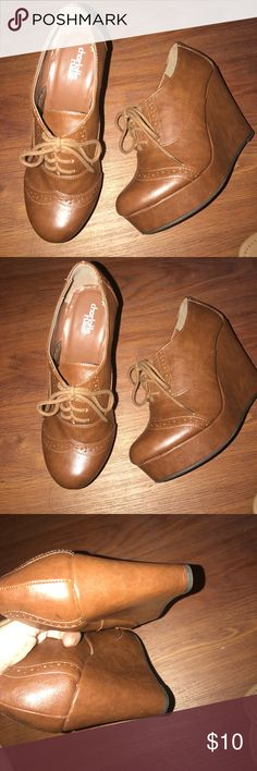 Charlotte Russe platform leather brown size 8 Really cute brown leather Charlotte Russe platform shoes. Charlotte Russe Shoes Platforms