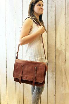 Buisness bag 3 ,handmade Italian Leather bag! di LaSellerieLimited su Etsy