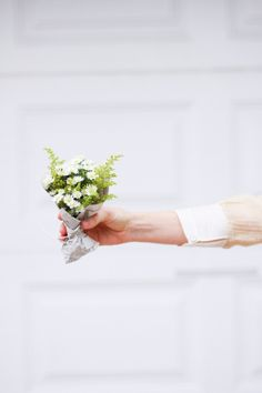 make a two dollar budget bouquet