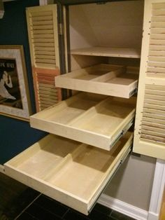 Outstanding idea for creating a small pantry or storage under the stairs… – pantry organization ideas Cabinet Under Stairs, Closet Under Stairs, Under Stairs Pantry Ideas, Basement Stairs, Small Deep Closet, Simple Closet, Pantry Closet, Kitchen Pantry, Kitchen Storage