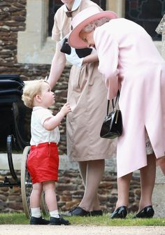 Pin for Later: The Best Pictures of the Royals in 2015 When George Shared a Moment With His Great-Grandma