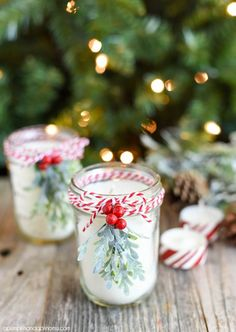DIY peppermint mason jar candlesDIY Peppermint Candles - you will hardly believe how easy it is to make your own mason jar candles! These make a great Christmas gift idea!DIY lavender mason jar candlesTHAT WOULD Mason Jar Christmas Crafts, Easy Diy Christmas Gifts, Christmas Candles, Mason Jar Crafts, Christmas Presents, Cozy Christmas, Country Christmas, Beautiful Christmas, Magical Christmas