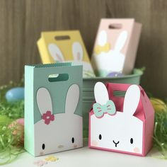 Favor Bag Accessory - Bunny - Creative Cuts - The Bunny Accessory Creative Cuts works with our Favor Bag. Paper Cards, Diy Cards, Bunny Birthday, Birthday Cards, Diy Birthday, Mama Elephant Cards, Diy And Crafts, Crafts For Kids, Bunny Party