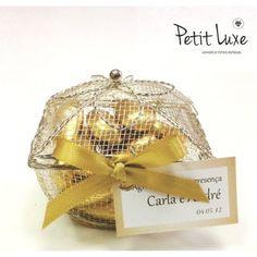 Porta jóia em cesto aramado, uma delicada opção de lembrancinha da Petit Luxe!  Encontre esta e muitas outras lindas opções de lembrancinha na nossa Loja Virtual!   http://www.petitluxe.com.br/loja/