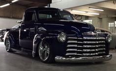 old trucks chevy Custom Pickup Trucks, Classic Pickup Trucks, Chevy Pickup Trucks, Gm Trucks, Chevy Pickups, Cool Trucks, Chevy 3100, Dually Trucks, 54 Chevy Truck