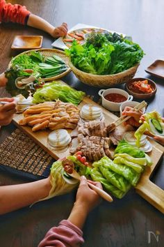 Asian Recipes, Healthy Recipes, Ethnic Recipes, Aesthetic Food, Korean Food, Food Presentation, Japanese Food, Bon Appetit, Food Videos