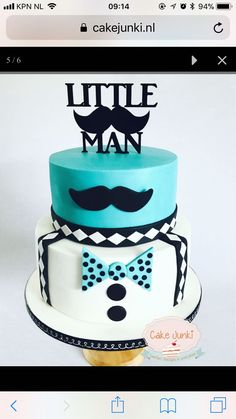 First birthday cake for a boy! Door: CakeJunki
