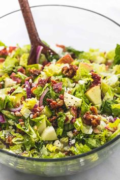 Chopped autumn salad with apple cider dressing apple salad, pear salad, sal Thanksgiving Salad, Thanksgiving Side Dishes, Thanksgiving Recipes, Thanksgiving 2017, Pear Salad, Apple Salad, Cranberry Salad, Crudite, Clean Eating