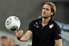 Beim VfB Stuttgart arbeitete Thomas Schneider nur kurz als Cheftrainer, zuvor hatte er sich als Nachwuchscoach einen Namen gemacht